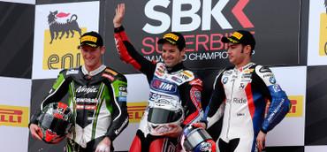 403_r02_race1_podium
