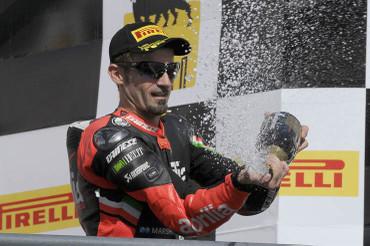 Biaggi_podium