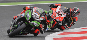 0778_r13_sykes_guintoli_action