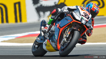 0085_p09_melandri_action_slide_big